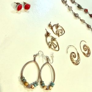 4 pairs of earrings (gold/bronze finish)